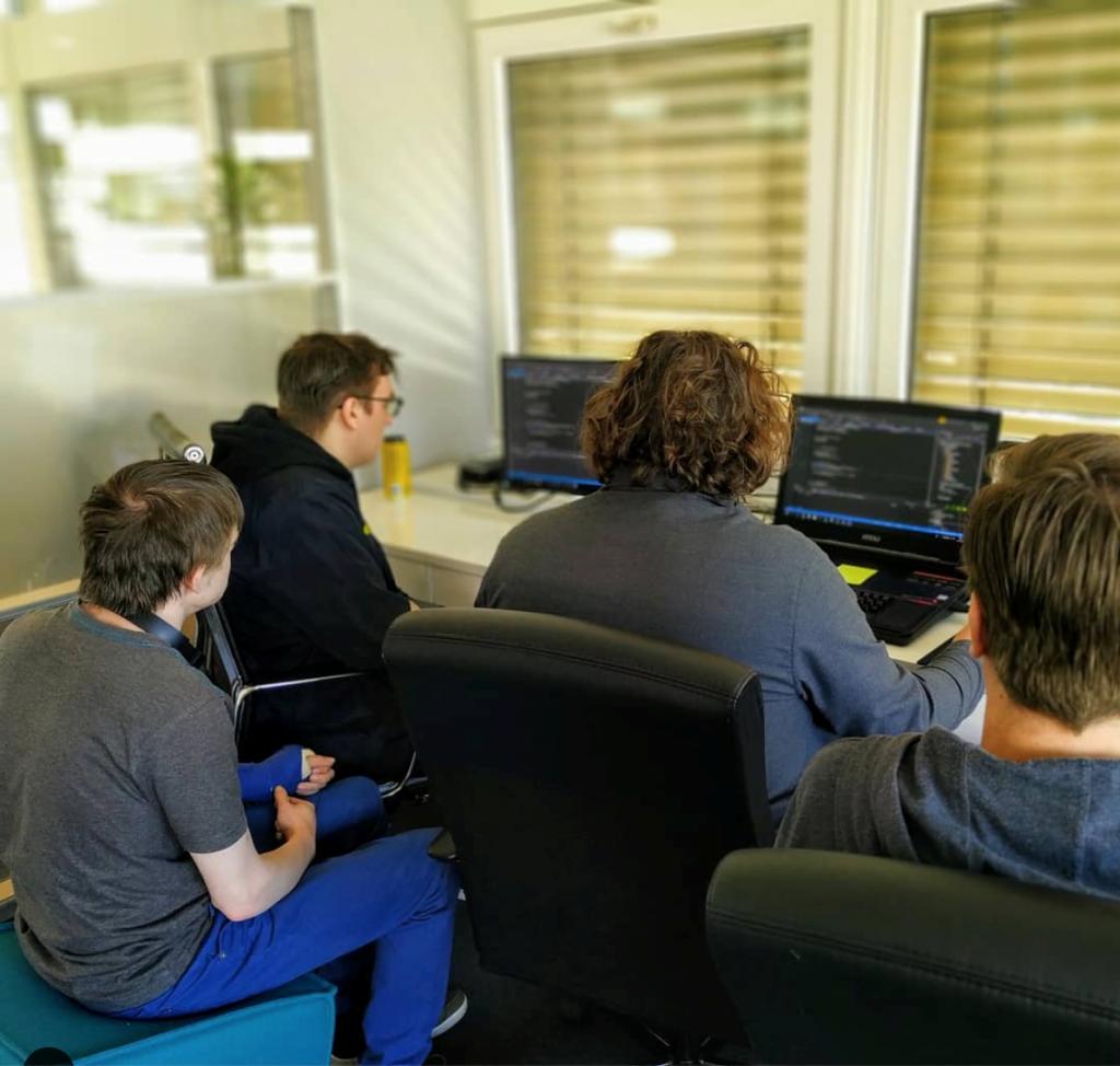Studenten XR lab testen VR-beleving